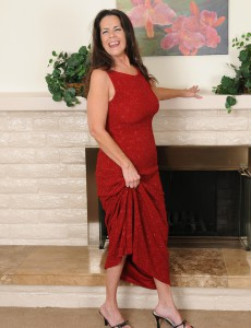 Elegant 51 Year Old Tia from  Onlyover30 Slides out of Her Evening Dress