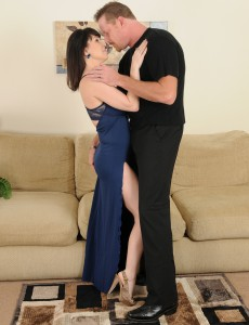 Excited and  Older Rayveness Sucks on a Hard Cock Before Fucking