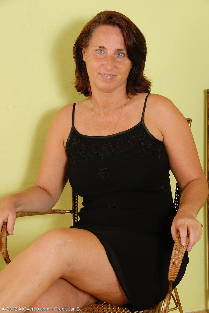 45 Year Old  Wife Demi from  Onlyover30 Stretches Wide on Her Chair