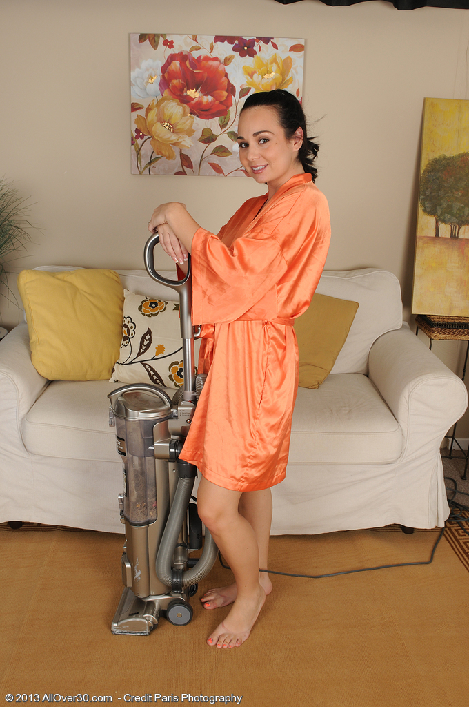 Gorgeous  Wife Holly West Cracks from Chores to Spread