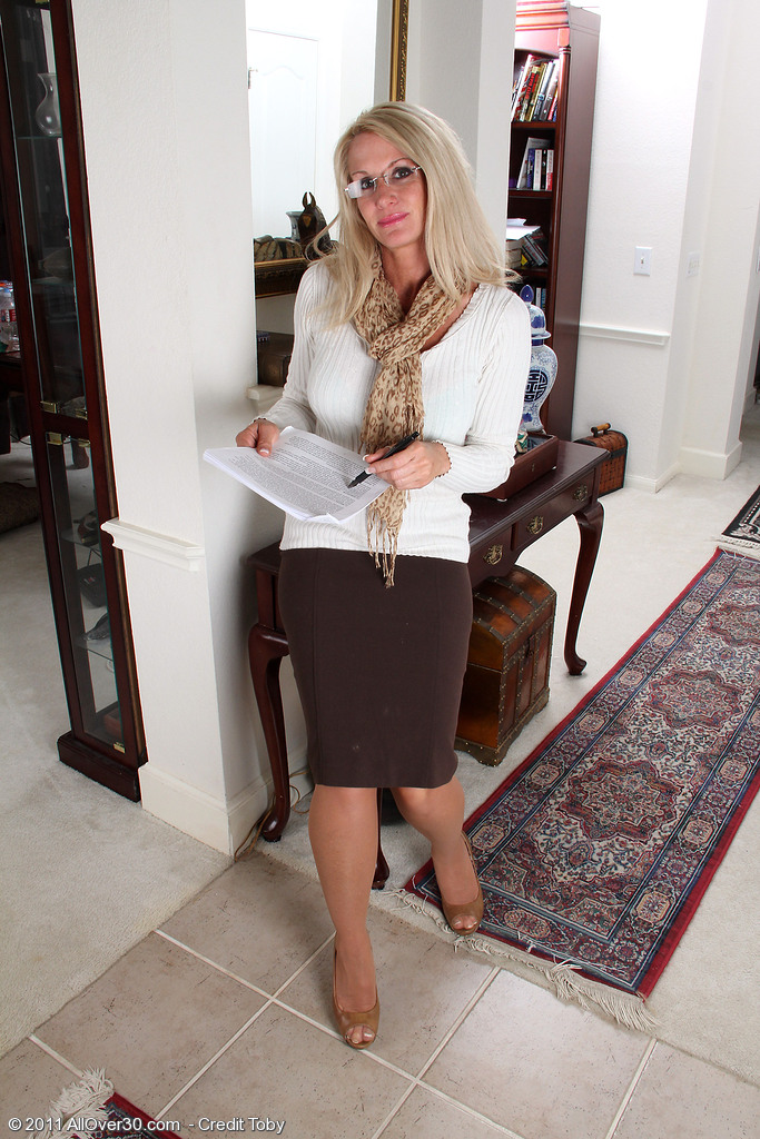 Popular 39 Year Old  Mom Ingrid Acquires out of Her Office Garments for You