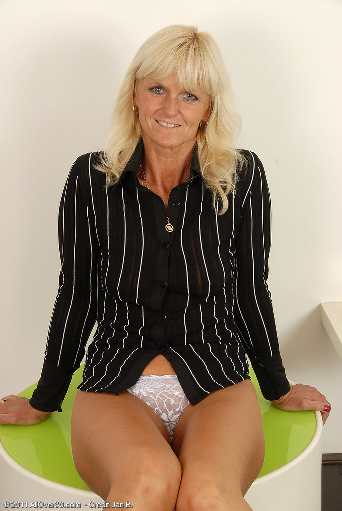Watch 43 Year Old Jenny F Stuff Her Bright White Knickers into Her Wet Crack