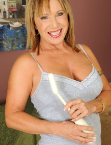 See 60 Year Old Luna As She Acquires Herself off with Her Stimulating Friend