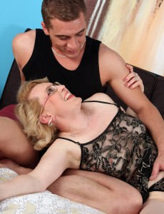 Lascivious 43 Year Old Acquires Her Clean-shaved Older Cum-hole Packed with Cock