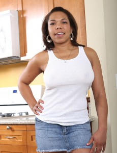 Black Mummy Rena Hastily Peels Her Tight Garments in the Kitchen