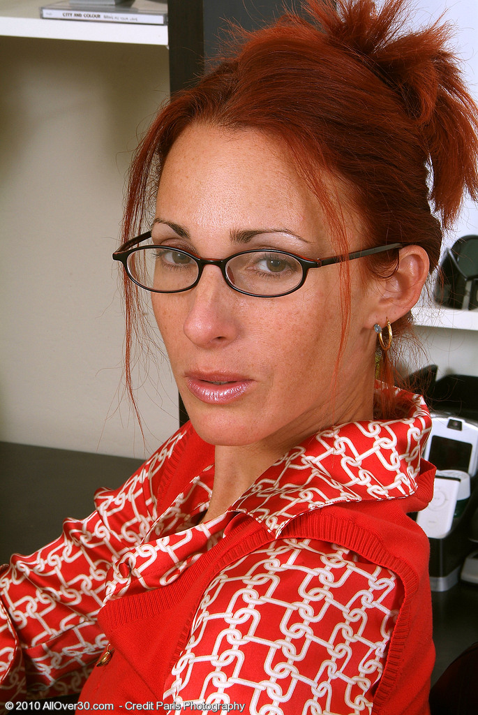 Thin Redheaded Mummy Skyla Peels off and  Opens at the Office