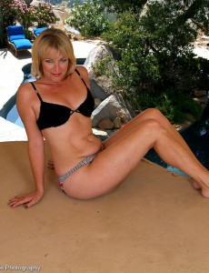 47 Year Old Tina from  Onlyover30 is Bare and Opening Up Outdoors