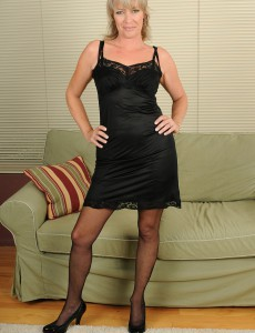 Hot  Blond Mummy Tina in Nylons and Ligerie  Opens Her Long Gams
