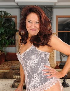 52 Year Old Renne Black from  Onlyover30 Looking Truly  Hot Inside Lace