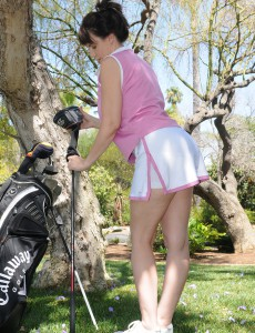 Kelly Capone Cracks from Practicing Golf to Get Bare Inside the Backyard