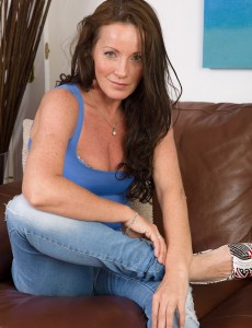 Cute Plus Tiny 44 Year Old Marlyn Glides from Her Jeans Denim