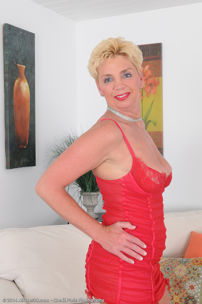 Blond 47 Year Old Taylor Lynn in Red Underware  Opening Up Her Longer Hips