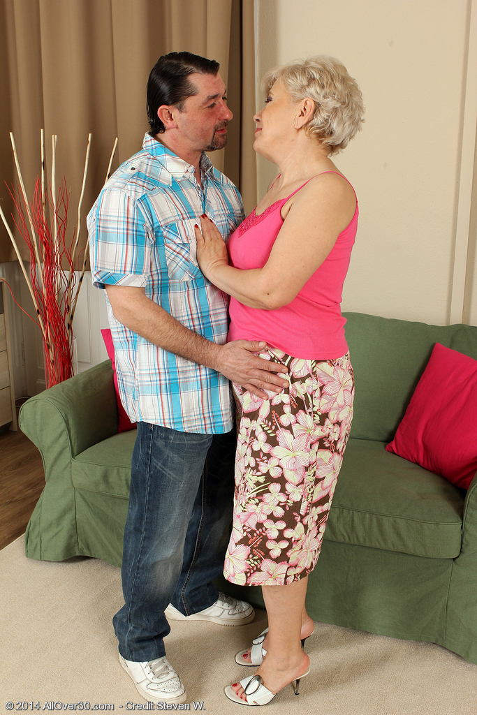 At 58 Years Old Mimi Can Still Fuck and Engulf Ramrod Like a Professional