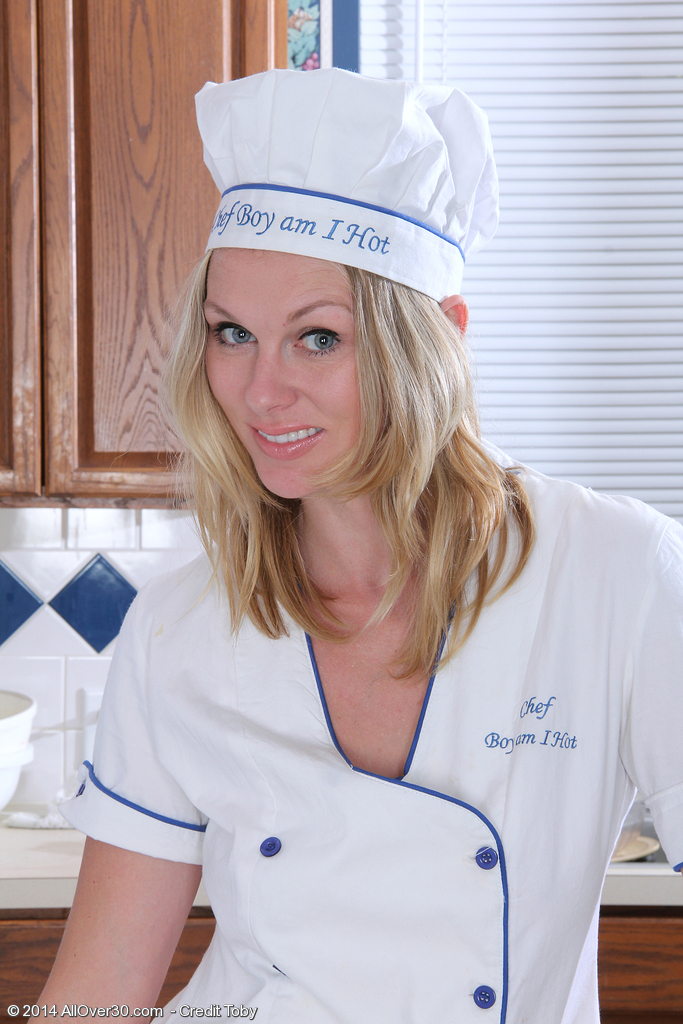 Magnificent  Blond Haired Lara Elaine Gives a Bare Cooking Class in the Kitchen