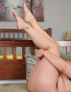 Beautiful  Wife Catrina Costa Shows off Her Cute Soles and Pinkish Fuckbox