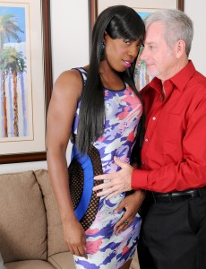 Black Babe Pepper Deville Gets That Wet  Super Horny Pussy Fucked by Her Fortunate Man