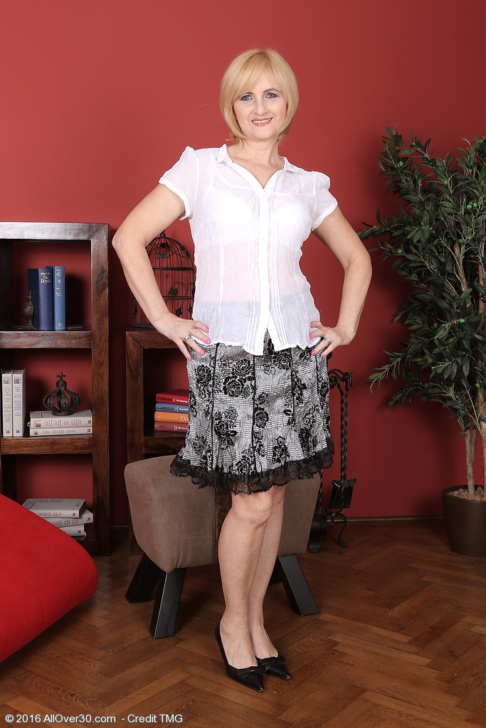 Chic  Blond Haired Jennyfer B  Undresses Down and Shows That  Hot  Older Body