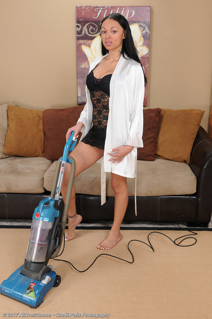 Beautiful Pervy Bethany Benz Vacuums