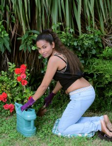 Alishaaa Mae Does Some  Hot Gardening