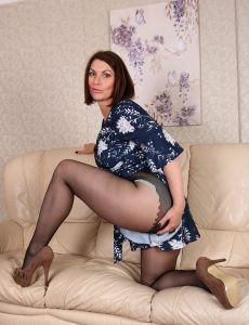 Rips Her Nylons