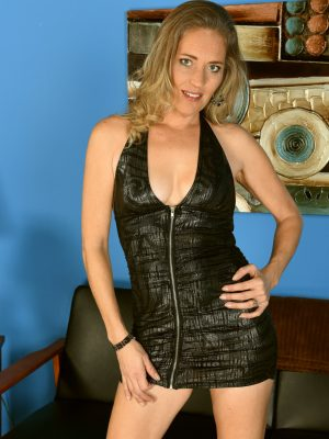 Mature Pictures: Daisy Layne Sexy Short Dress